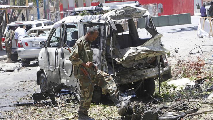 Eine Autobombe ist am Donnerstag in der somalischen Hauptstadt bei einem Checkpoint von Sicherheitskräften explodiert. Mindestens sieben Zivilisten wurden getötet.