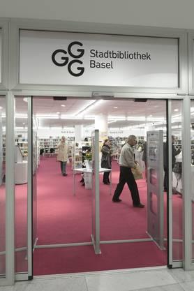 Die «neue» Bibliothek Kirschgarten hat ab sofort unter der Woche bis um 20 Uhr geöffnet.