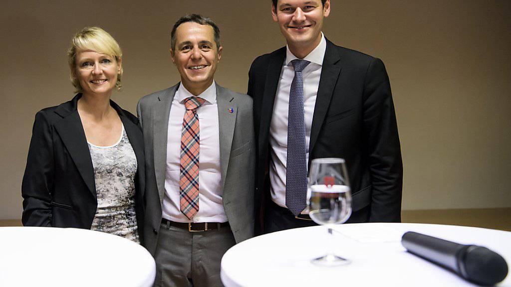 Für Isabelle Moret, Ignazio Cassis und Pierre Maudet (von links nach rechts) stehen in den nächsten Tagen viele Interviews mit Parteien und Verbänden an. (Archivbild)