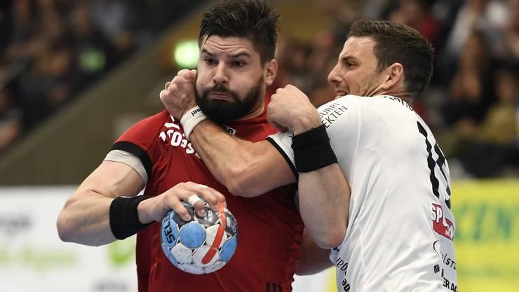 In Spiel 2 der Viertelfinalserie gegen Wacker Thun gab es auch für HSC-Topskorer Milan Skvaril wenig zu lachen – trotz sieben Treffern.