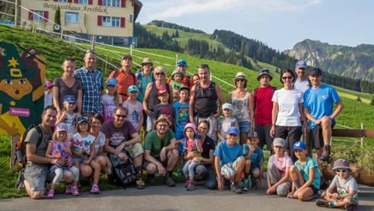 Start zur Wirzweli-Wanderung: (weitere Fotos: www.scbremgarten.ch).