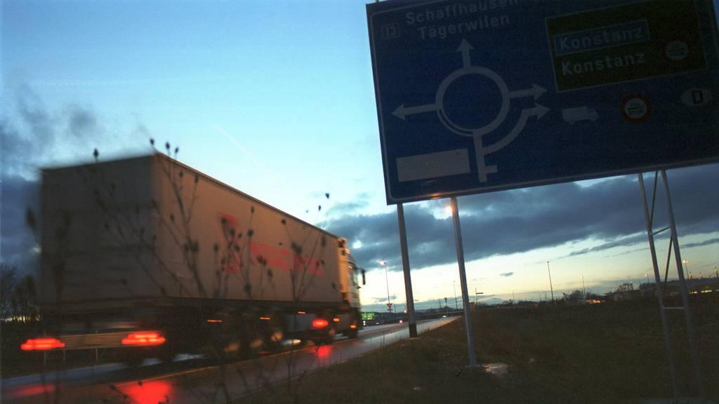 Lastwagenchauffeur fährt 20 Stunden am Tag