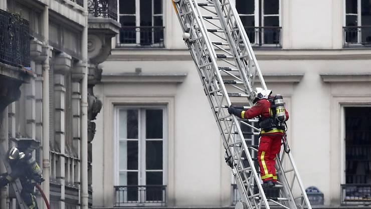 Die Explosion in der Pariser Innenstadt hat vier Todesopfer gefordert.