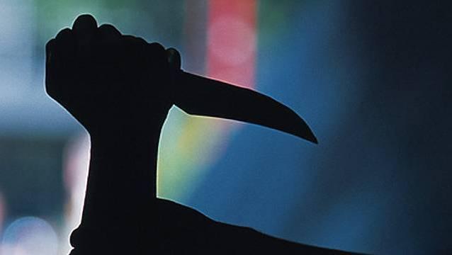 Vor einer Aarauer Bar kam es im Oktober 2019 zu einer Messerattacke. Am Donnerstag stand der Angreifer vor Gericht. (Symbolbild)
