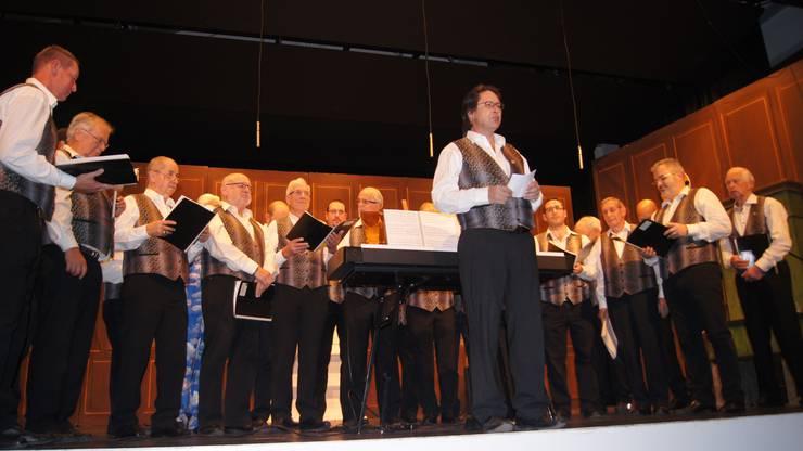 Der Männerchor  Liederkranz trumpfte mit seinen Liedern gross auf.