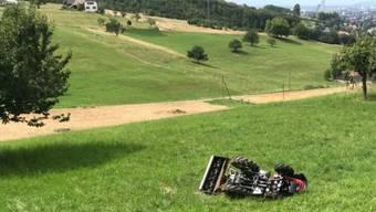 Traktor überschlägt sich in Muttenz