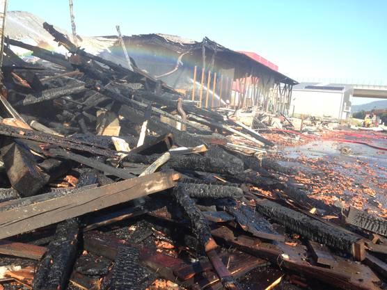 Die Kantonspolizei geht bei der Brandursache von einer technischen Ursache aus, auch wenn der klare Nachweis fehlt.
