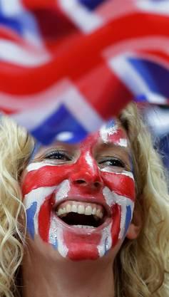 Ein englischer Fan jubelt