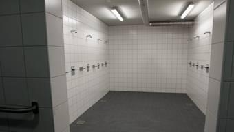 Im Duschbereich des Oberwiler Hallenbades wurden Legionellen enteckt. (Symbolbild)