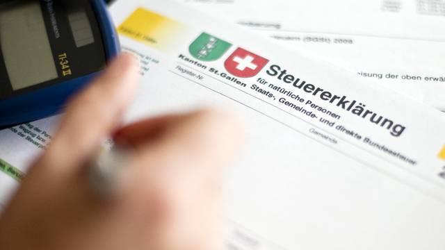 Krankenkassenprämien sollen nicht vollständig von den Steuern abgezogen werden können.