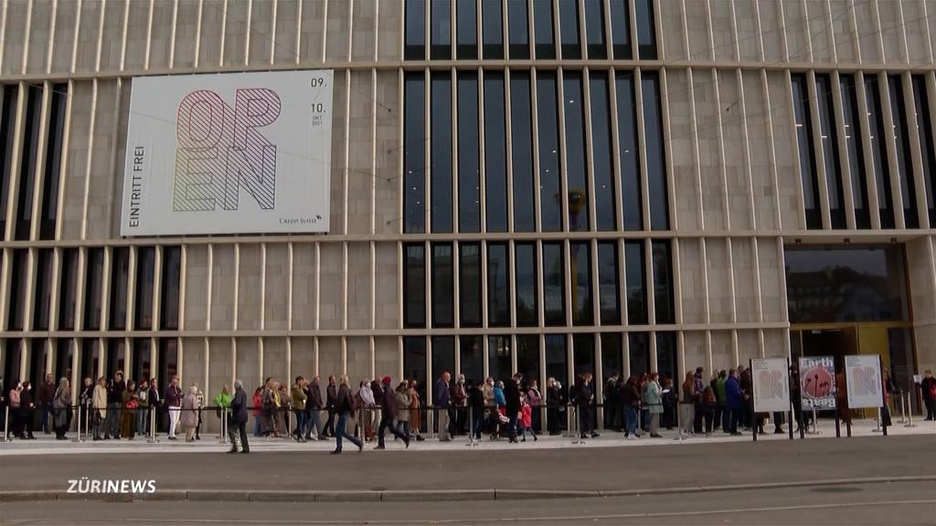 Kunsthaus-Neubau: Andrang und Kritik bei Eröffnung