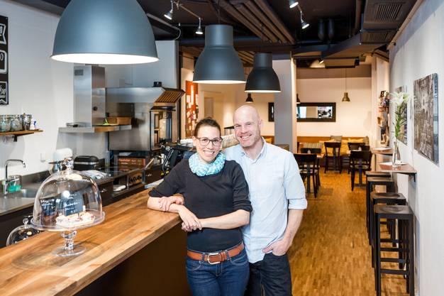 Baden, 5. Juli: Wegen «Mängellast am Mietobjekt» bleibt das Kafi Zwoi, geführt von Denise Waglechner und René Marti, im Bäderquartier auf unbestimmte Zeit geschlossen.