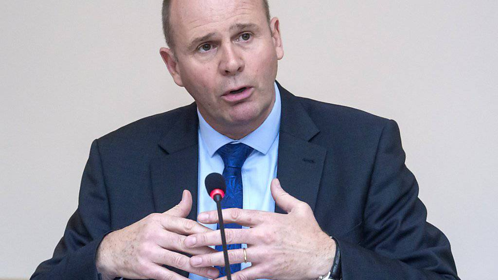 Laut Nationalrat Thomas Hurter beharrt die Sicherheitspolitische Kommission auf einem Armeebudget von 5 Milliarden Franken pro Jahr.