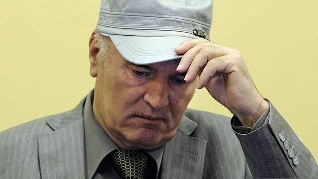 Der angeklagte frühere Chef der bosnisch-serbischen Armee, Rakto Mladic (Archiv)