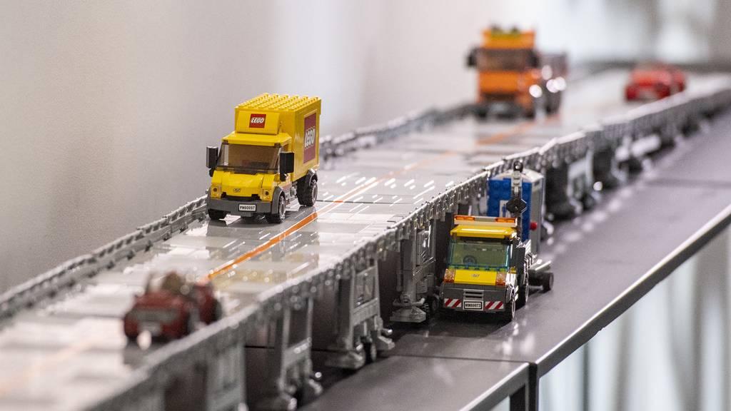 Autobahn-Baustellen auf mobiler Brücke überfahren: Weniger Stau