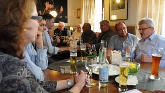 Landammann und Finanzminister Roland Brogli diskutierte am traditionellen Landammann-Stammtisch in Muri - quasi unter Freunden.