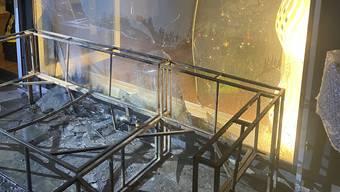 Vermutlich wurde der Brand durch einen Feuerwerkskörper ausgelöst.