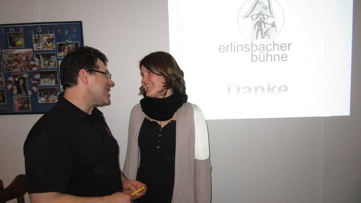 Bühne-Präsident Willi Stadler und die Vizepräsidentin Stefanie Lindegger in einer GV-Pause.