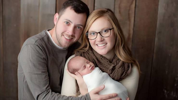 Die frischgebackene Mutter Tina Gibson hatte sich einen Embryo einpflanzen lassen, der am 14. Oktober 1992 (!) eingefroren worden war.