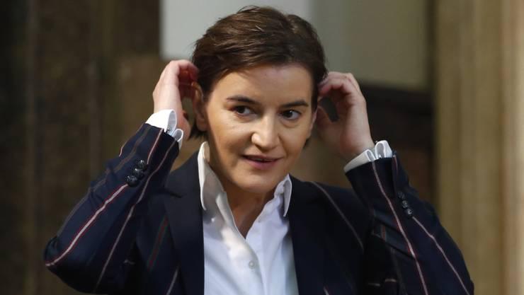 Die serbische Premierministerin Ana Brnabic und ihre Lebensgefährtin freuen sich über Nachwuchs: Die Lebensgefährtin von Brnabic hat am Mittwoch einen Sohn zur Welt gebracht. (Archivbild)
