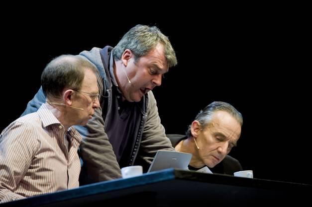 Viktor Giacobbo, Mike Müller und Patrick Frey boten mit «Erfolg als Chance» beste Unterhaltung in der Kulturfabrik Kofmehl. (Foto: Hansjörg Sahli)
