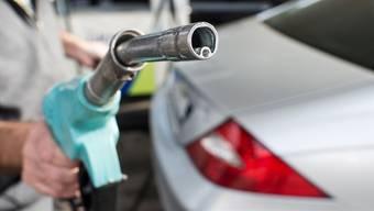 Vier Franken teurer würde ein 40-Liter-Tank, wenn der Benzinpreis wie vom Bundesrat angenommen um 10 Rappen ansteigen würde.