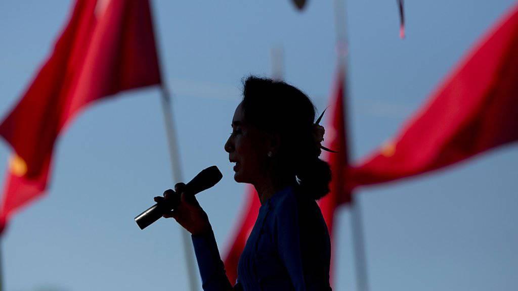 In der Realpolitik angekommen: Das Ansehen der Friedensnobelpreisträgerin verblasst, weil sich Suu Kyi nicht zur Gewalt in Westmyanmar äussert. Die UNO spricht bereits von «ethnischer Säuberung» gegen die Rohingya. (Archiv)
