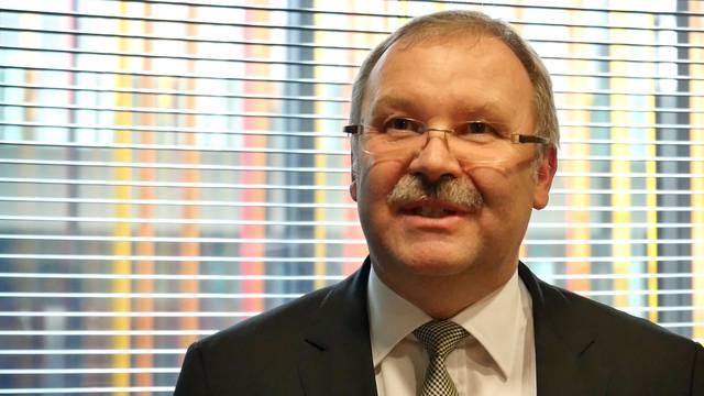 Das sagt WEF-Direktor Alois Zwinggi über Chancen und Gefahren der neuen industriellen Revolution.