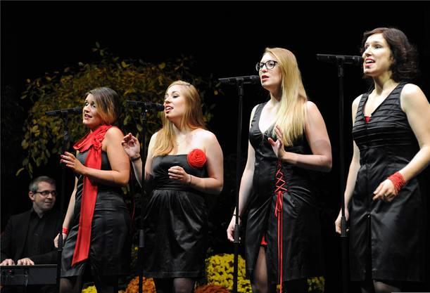 Stimmlich und visuell erfrischend: Die vier Ladybirds interpretierten das Solothurner Lied neu.