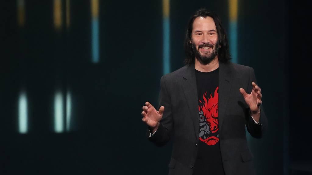 Keanu Reeves präsentiert den Trailer zu Cyberpunk 2077.