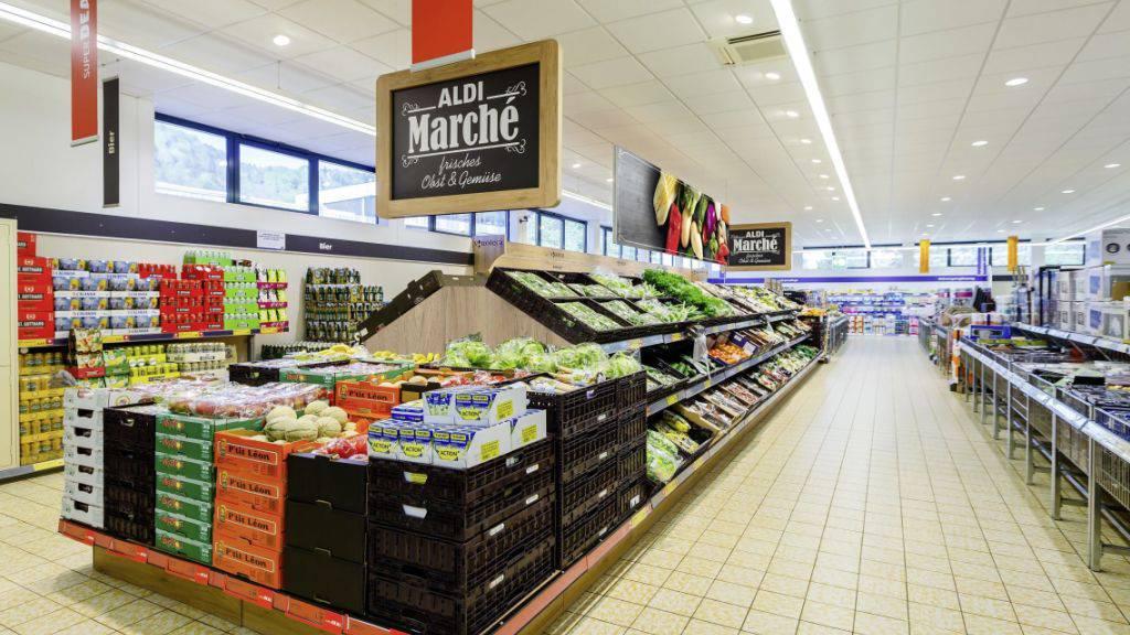 Aldi modernisiert für 70 Millionen Franken das gesamte Filialnetz in der Schweiz. Dazu gehört auch der Ausbau im Bereich Kühlung, Panetteria und Obst&Gemüse.