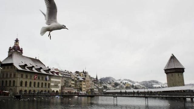In der Stadt Luzern steigen die Steuern (Archiv)
