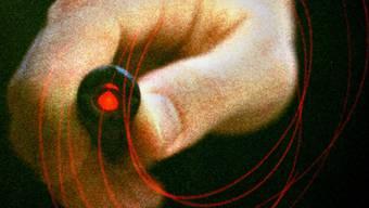 Das Blenden mit Laserpointern stellt eine grosse Gefahr dar. (Symbolbild)