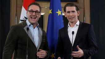 FPÖ-Vizekanzler Heinz-Christian Strache und ÖVP-Kanzler Sebastian Kurz regieren ab heute Österreich.