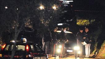 Die italienische Polizei am Tatort