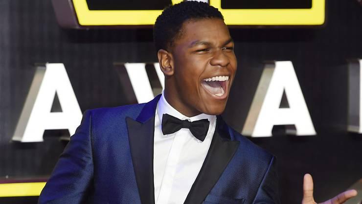 """John Boyega bei der Ankunft zur europäischen Film-Premiere von """"Star Wars: The Force Awakens"""" in London am 16. Dezember."""