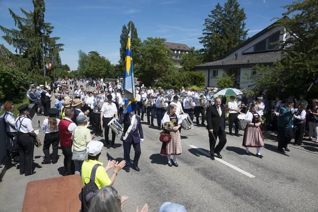 Musiktag Kriegstetten Parademusik Samstag, Blasmusik Zuchwil zusammen mit Musikgesellschaft Deitingen