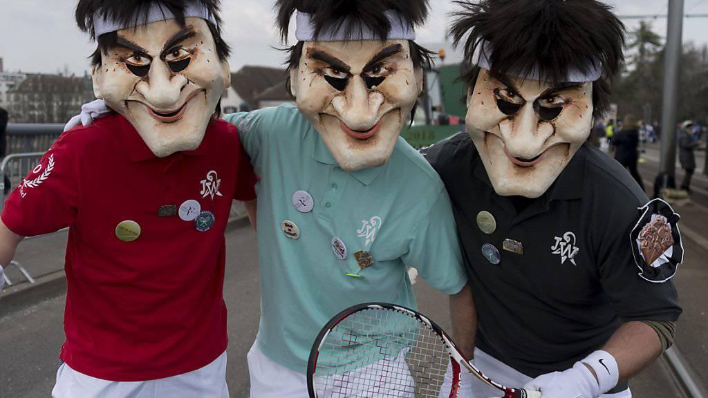 Die Jocker Waggis waren als Roger Federer am Cortège unterwegs.