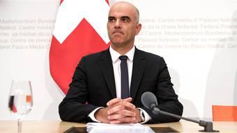 Bundesrat Alain Berset hat nach dem Nein zur Altersvorsorge im September versprochen, eine neue Vorlage vorzubereiten. Und zwar schnell. (Archivbild)