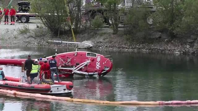 Bergung des verunfallten Helikopters der Air Zermatt