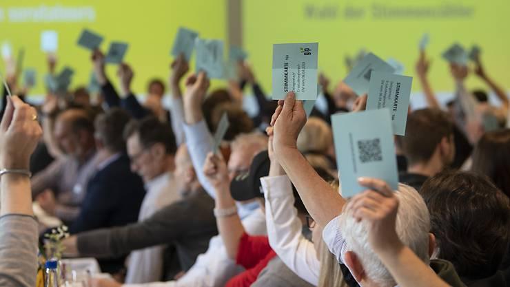 Ja zum Waffengesetz, Nein zur AHV-Steuervorlage: Delegierte der Grünliberalen bei ihrer Versammlung in Wangen an der Aare BE.