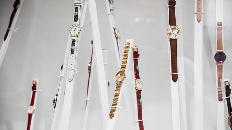 Die Nachfrage nach Uhren beispielsweise dürfte weiterhin tief bleiben, weissagen die Ökonomen der Credit Suisse. (Symbolbild)