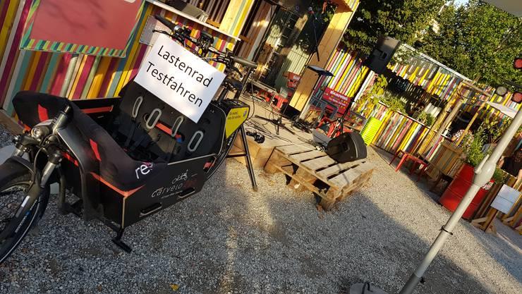 An drei Standorten können in Solothurn zu sehr günstigen Konditionen Lastenvelos gemietet werden. Mehr dazu unter: www.carvelo2go.ch