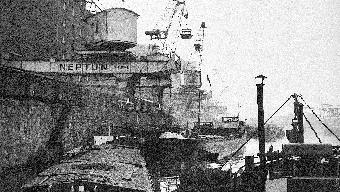 Die Neptun-Reederei gehört in den 1930er-Jahren zu Basel wie die Sandoz, die Ciba, die Geigy. Emsig und verlässlich versorgt sie die Schweiz mit lebenswichtigen Rohstoffen und den Hafen mit Arbeit.