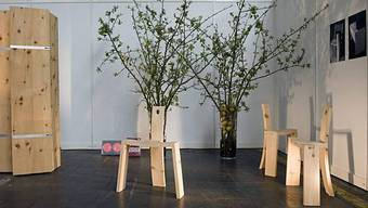 Ein Blick auf die Möbelwerkstatt des Schweizers Ramon Zangger an der Designmesse Blickfang in Basel