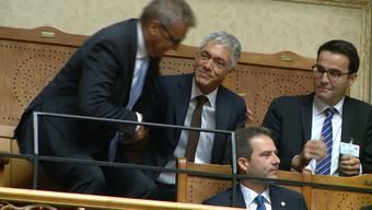Die Wahl im Video. Nach Bekanntgabe des Resultats durch Nationalratspräsidentin Marina Carobbio erhält Lauber Applaus von den Nationalräten – allerdings klatschen nicht alle mit.