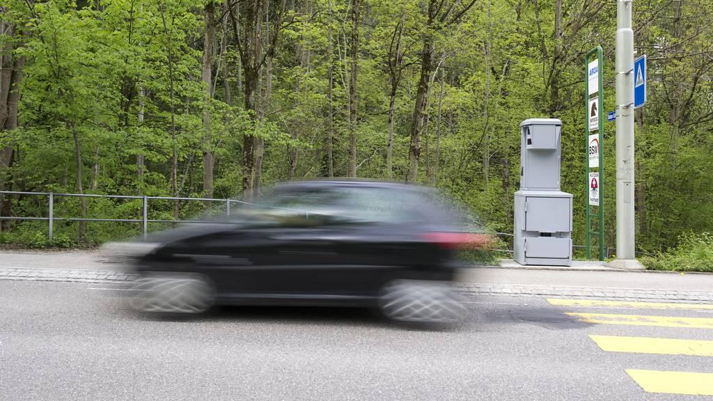 19-Jähriger wird mit 128 km/h geblitzt