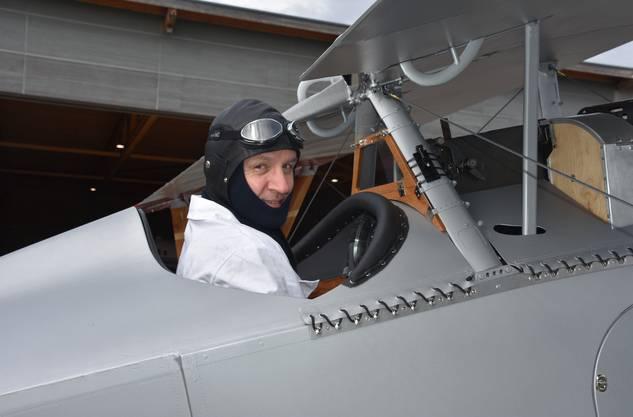 Pilot Isidor von Arx bei letzten Tests vor dem Erstflug.