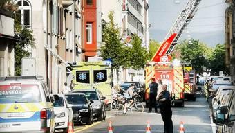 Kurz nach 18 Uhr kam es in der Güterstrasse in einem Mehrfamilienhaus zu einem Brandfall.