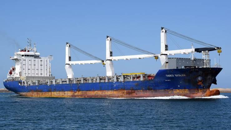Soll Mitte Jahr Waffen nach Saudi-Arabien transportiert haben: Der vom Bund mit Bürgschaften subventionierte Frachter Thorco Basilisk.